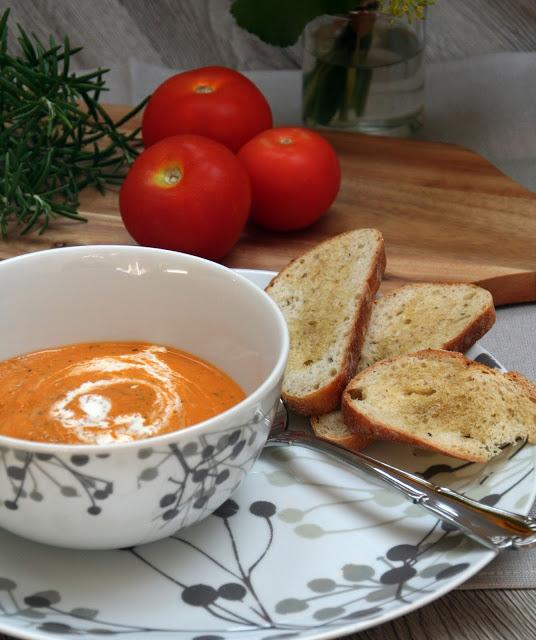 Ofen-Tomaten-Zucchini-Suppe