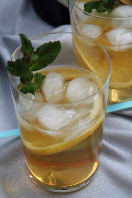 Gin-Cocktail mit Minzsirup