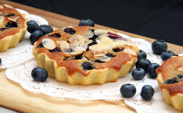 Blaubeer-Mandel-Tartelettes