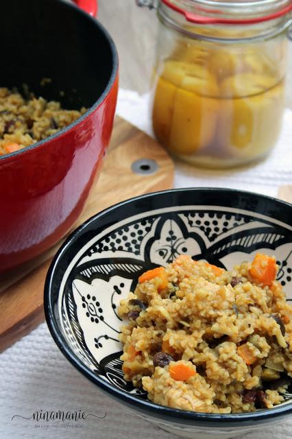 Tajine mit Huhn, Salzzitronen, Kürbis und Aubergine