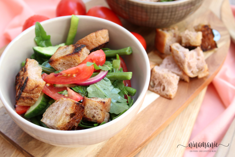 Sommerküche Tomaten : Brotsalat mit tomaten und bohnen ninamanie