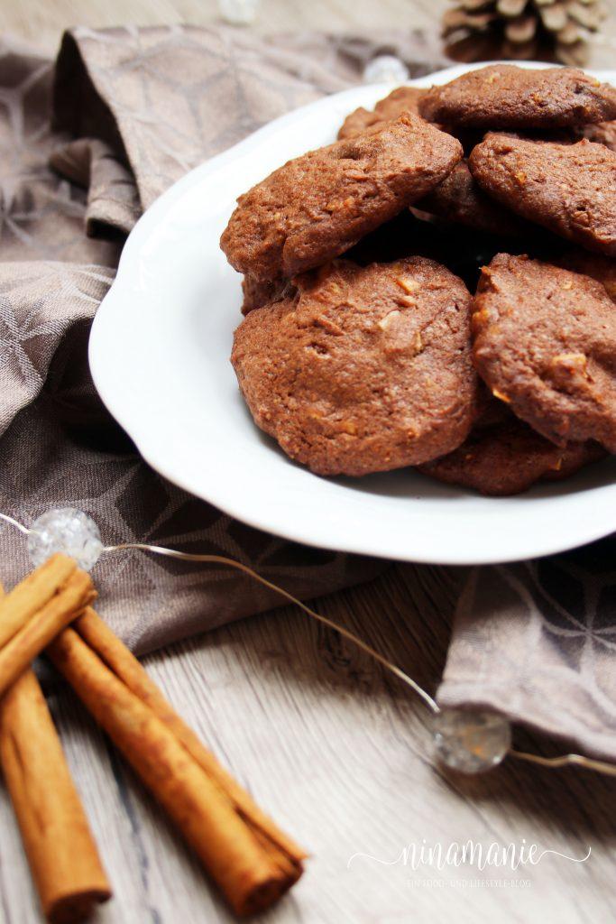 Choclate-Chunk-Salted-Macadamia-Cookies