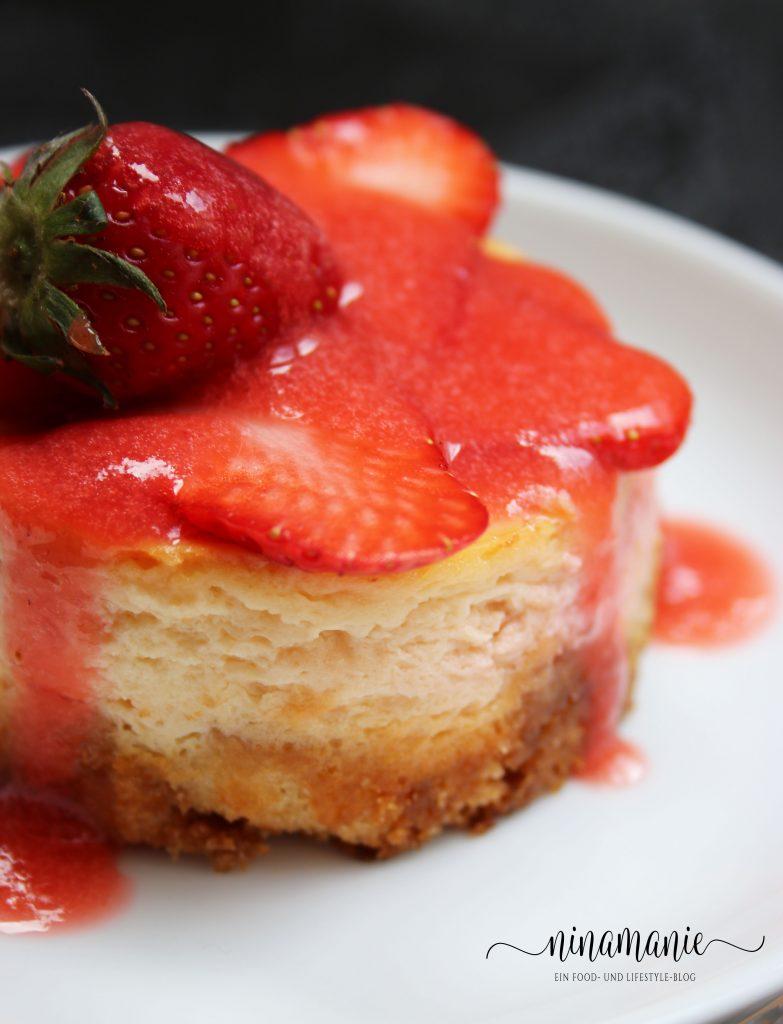Käseküchlein mit Erdbeeren