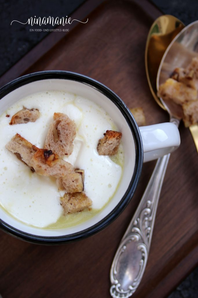 Lauchcremesuppe mit Brotcroutons