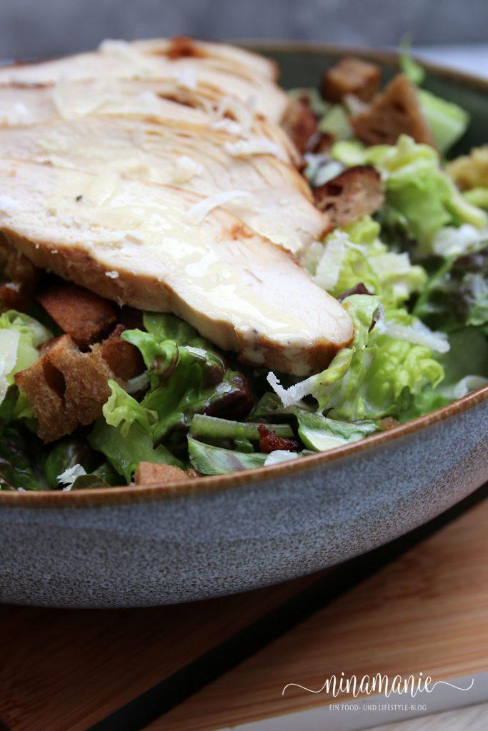 Details Caesar Salad