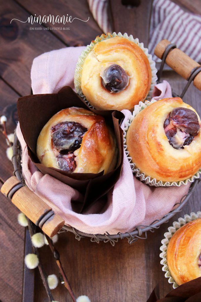 Osterkorb mit Hefe-Muffins