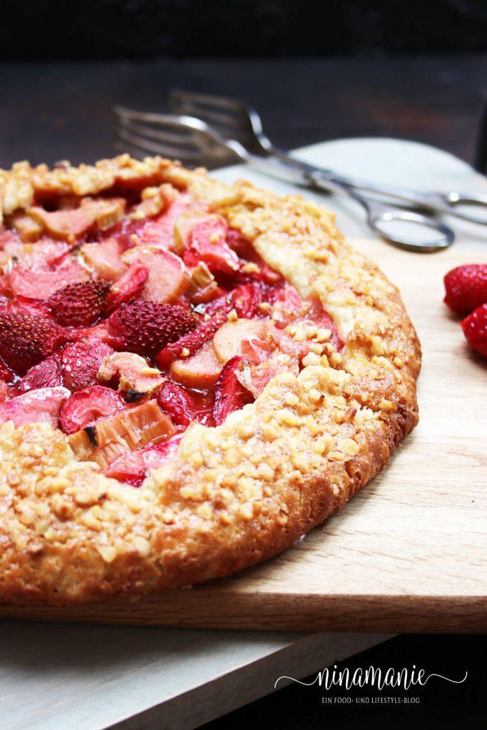 Rhabarber-Erdbeer-Crostata