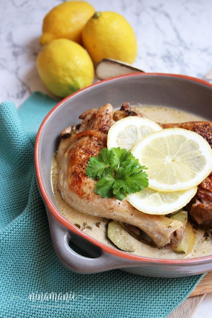 Hähnchen mit Zitrone in feiner Soße