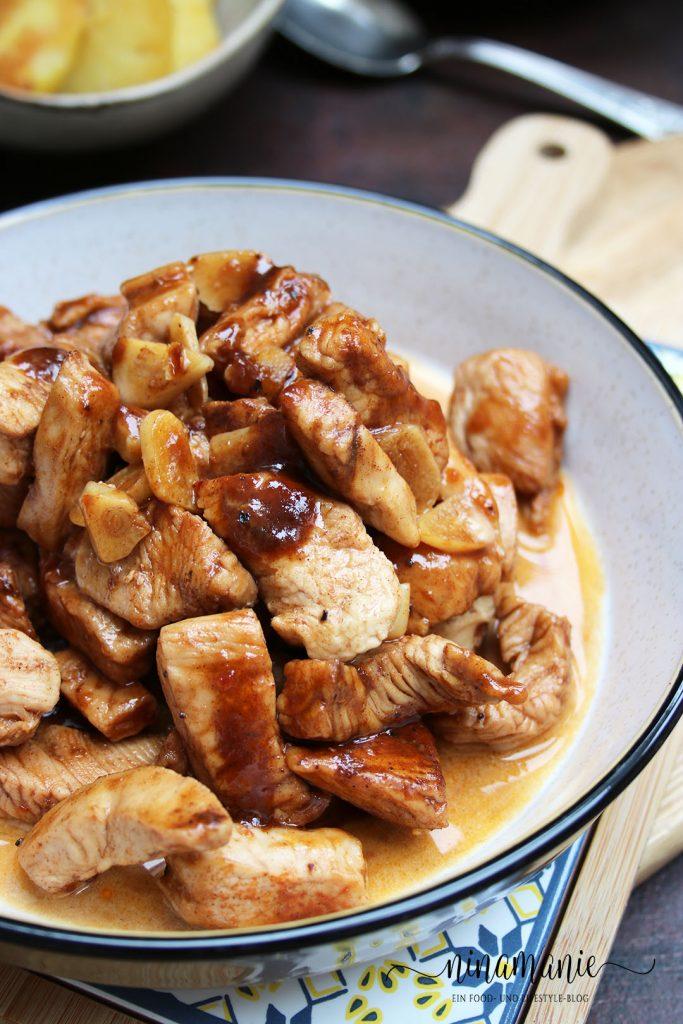 Köstliches Hühnchen in leckeres Soße