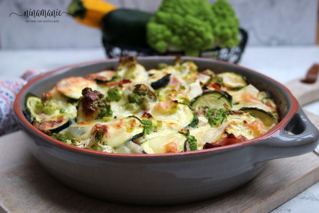 Auflauf mit Zucchini und Romanesco
