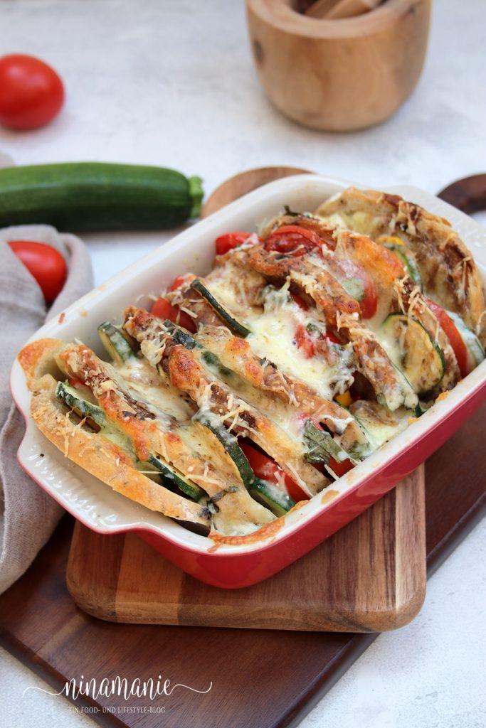 Romfort-Auflauf mit Brot und Gemüse