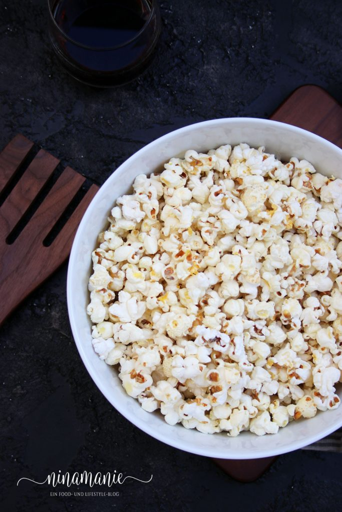 Salziges Popcorn mit Parmesan