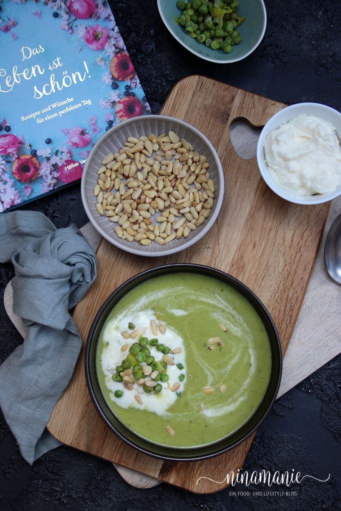 Erbsen-Minz-Suppe mit Pinienkernen
