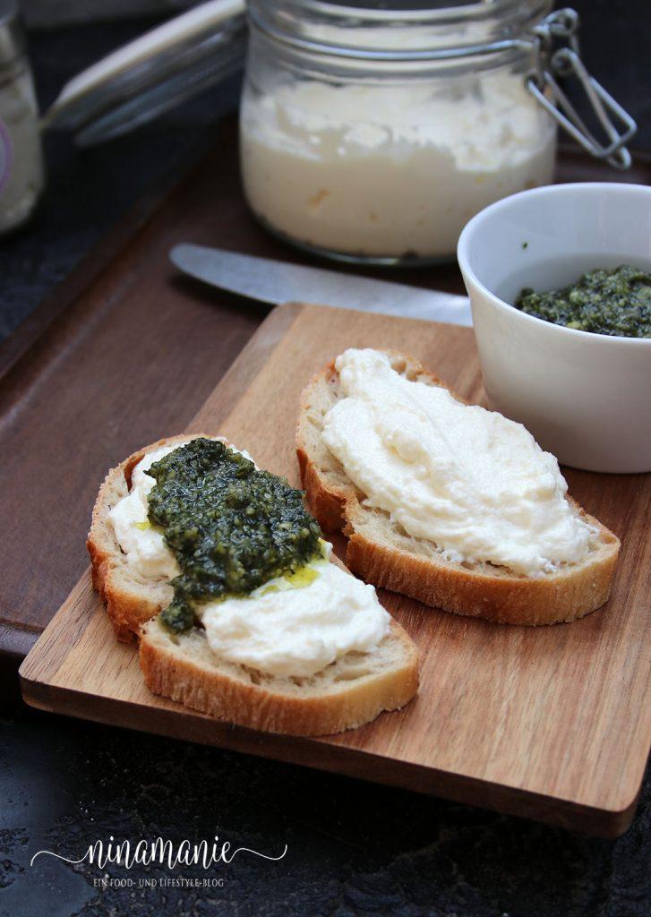 Italienischer Ricotta und Möhrengrün-Pesto