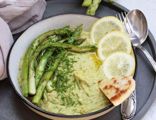 Hummus mit grünem Spargel