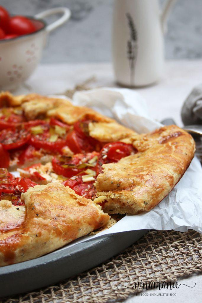 Crostata mit Tomaten